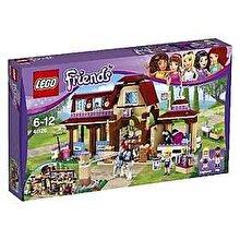 LEGO Friends, Clubul de calarie din Heartlake 41126