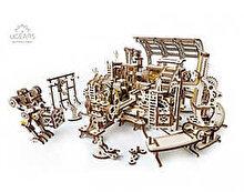 Ugears Puzzle 3D - Fabrica de roboti, 598 piese