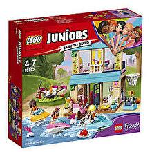LEGO Juniors - Friends, Casa lui Stephanie de langa lac 10763