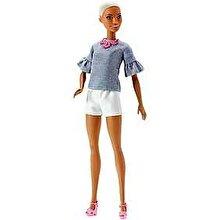 Barbie Papusa Barbie Fashionistas cu pantaloni scurti albi