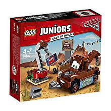 LEGO Juniors - Cars 3, Depozitul de fier vechi al lui Bucsa 10733