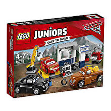 LEGO Juniors - Cars 3, Garajul lui Fumuriu 10743