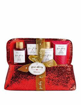 Set cadou IDC Institute Love Story (Gel de dus, 105 ml + Sare pentru baie, 80 g + Lotiune de corp, 65 ml + Scrub pentru corp, 65 ml)