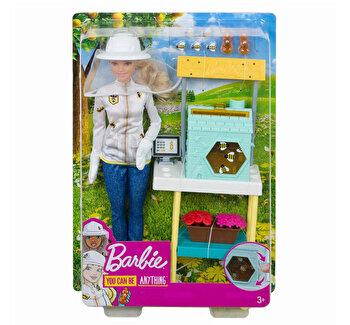 Barbie, cariere – set mobilier cu papusa apicultor de la Barbie