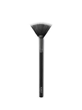 Pensula pentru pudra Face 12 Powder Fan Brush de la Kiko Milano