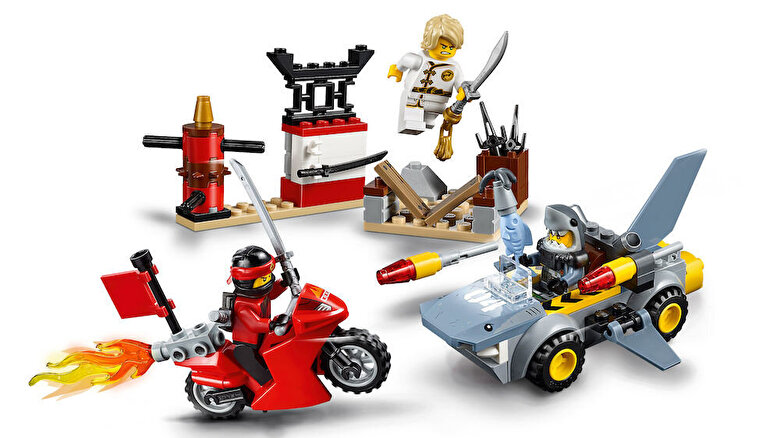 LEGO - LEGO Juniors - Ninjago Movie, Atacul rechinului 10739 -