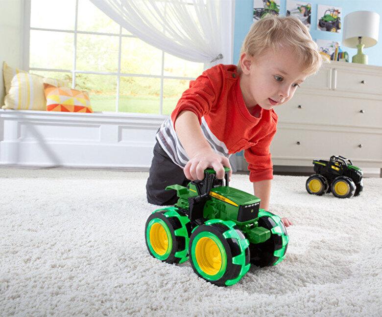John Deere - John Deere - Tractor cu roti luminate -