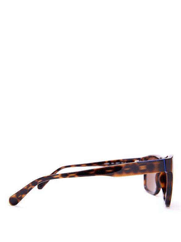 Guess - Ochelari de soare Guess GU6882 52E - Maro