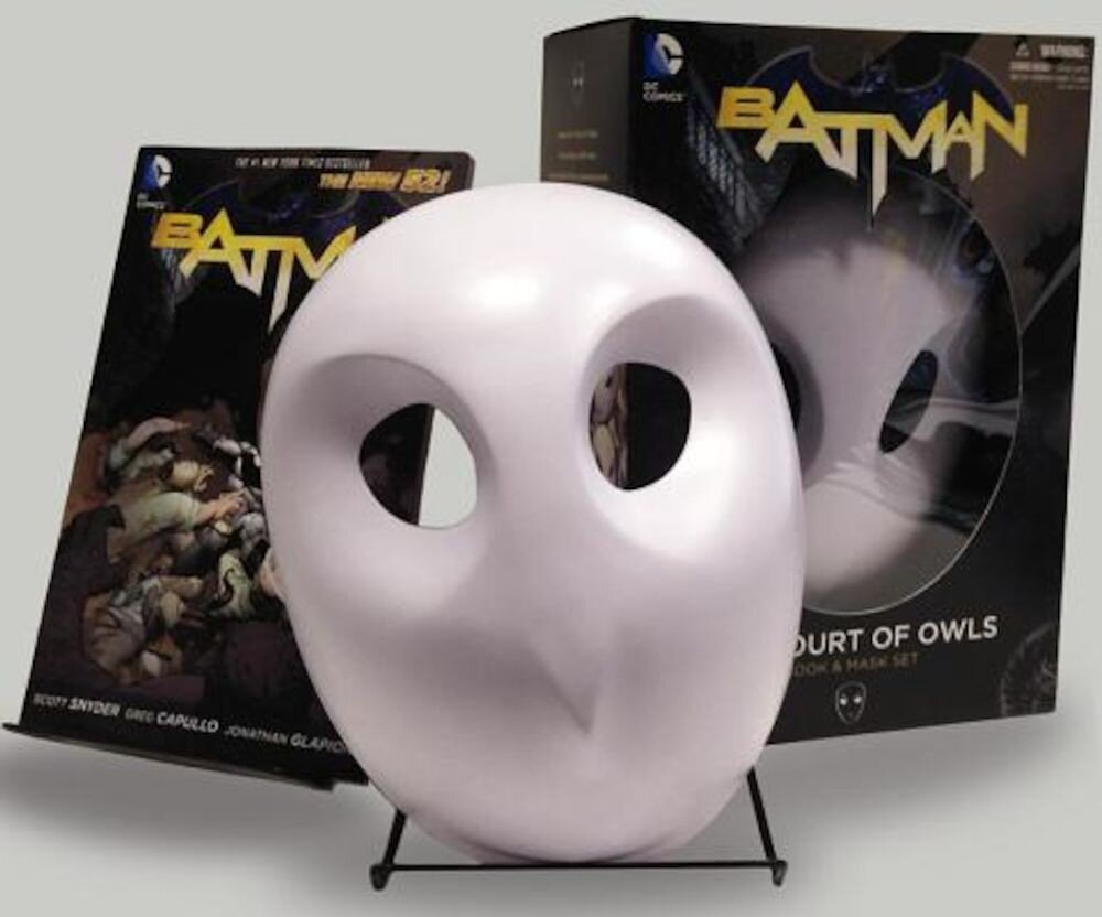 Batman: The Court of Owls Mask and Book Set (the New 52), Paperback