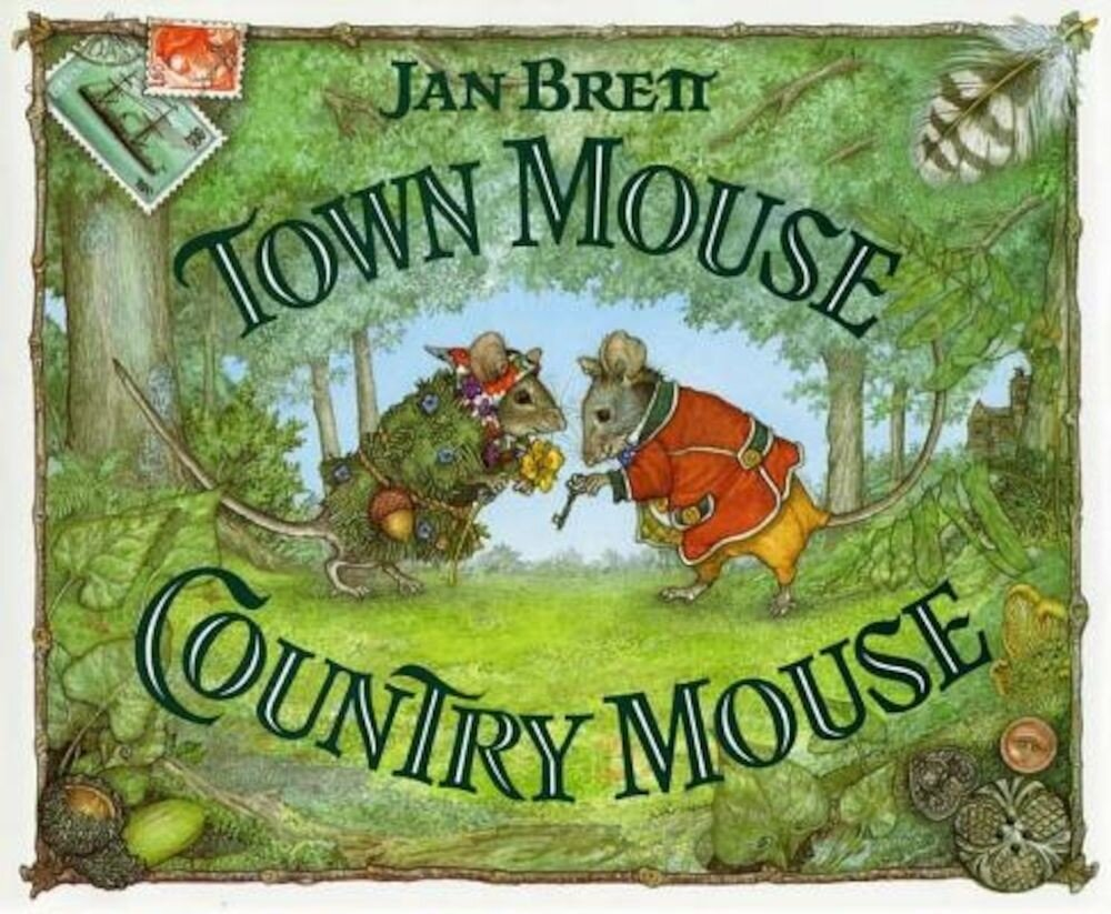 Town Mouse Country Mouse, Hardcover