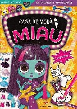 Casa de moda MIAU. Superstaruri. Carte de colorat cu autocolante reutilizabile/***