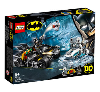 LEGO Super Heroes, Mr. Freeze in batalia pe batcycle 76118