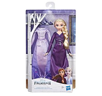 Frozen 2 - Papusa Elsa cu costumatie de dormit